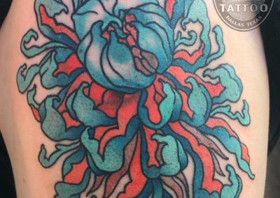 dallas-tattoo-neotraditional-chrysanthemum-blue