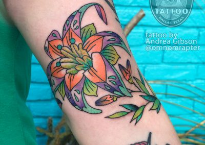 dallas-tattoo-neotraditional-flower-bird