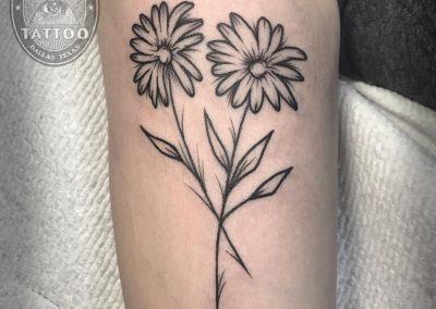 dallas-illustrative-tattoo-daisies-fineline