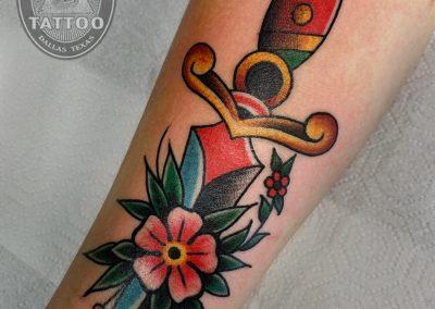 dallas-traditional-tattoo-dagger-blossoms